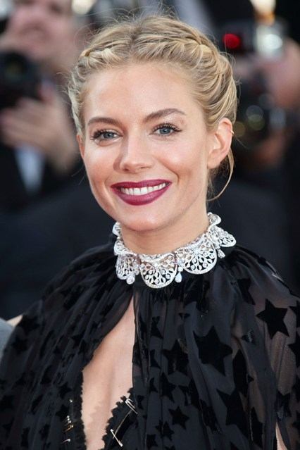 Sienna-Miller-braids-beauty-vogue-18may15-getty_b_426x639
