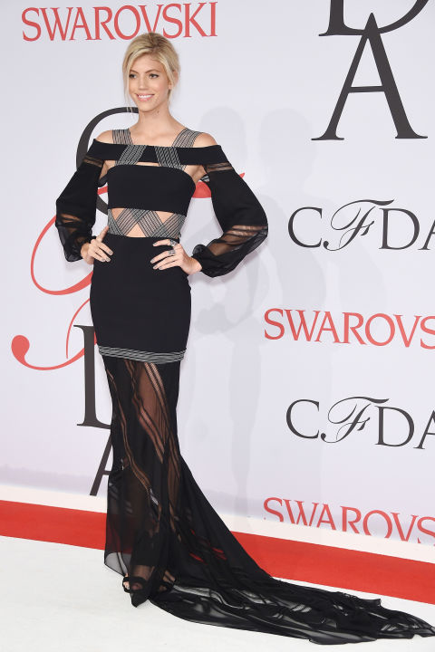 Devon Windsor in Jonathan Simkhai
